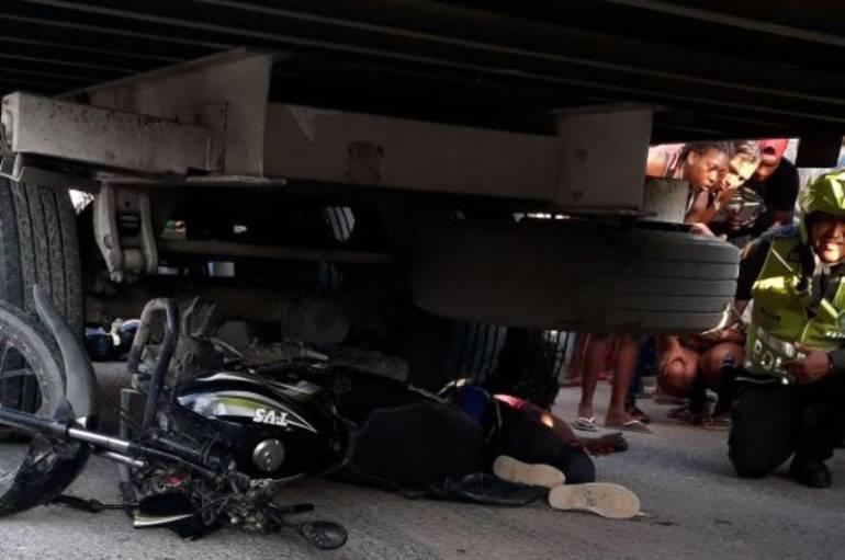 Dos muertos en accidente de tránsito en la zona industrial de Cartagena: Dos muertos en accidente de tránsito en la zona industrial de Cartagena
