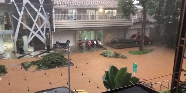 Emergencias en Medellín por fuerte aguacero