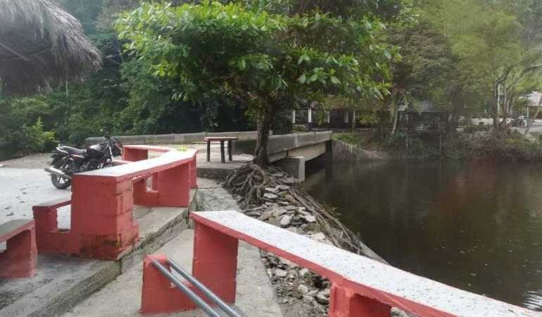 Un colegio y un balneario quedaron bajo el agua del río Cauca en Pescadero
