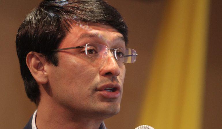 Escándalo aguardiente Nariño Camilo Romero: Abren investigación a Camilo Romero por venta de aguardiente Nariño