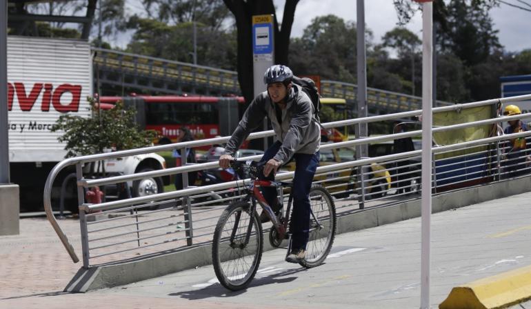 Movilidad en Bogotá: Falta de cultura ciudadana es lo que más afecta a biciusuarios: expertos