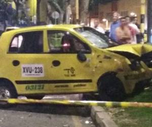 BUCARAMANGA MOTOCICLETAS MUERTE TAXI: Choque en la avenida La Rosita produjo la muerte de una persona