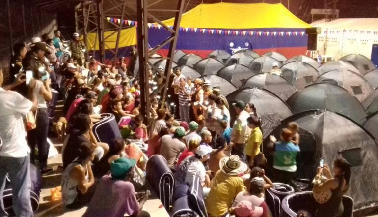 Personas, evacuado, Puerto, Valdivia: 1.200 personas han evacuado Puerto Valdivia