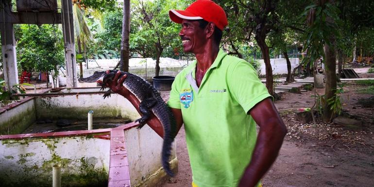 Belisario Yanes ahora cuida a los animales que antes cazaba.