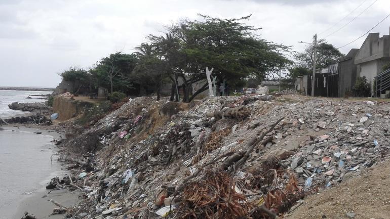 Erosión costera amenaza a varias familias de los barrios José Antonio Galán y Marbella de Riohacha