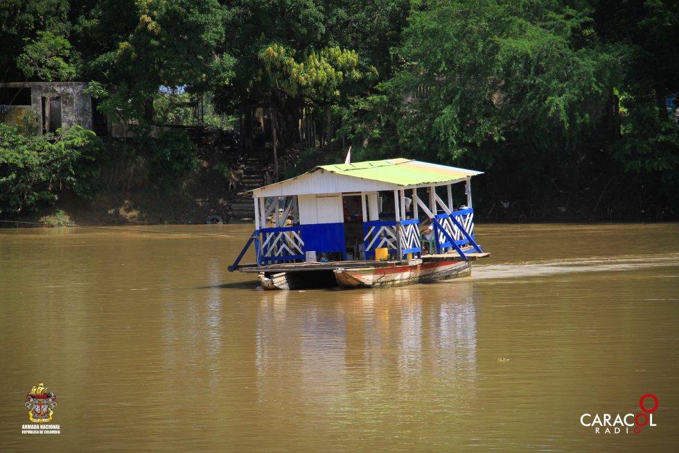 Los planchones se pueden ver en el río Sinú.