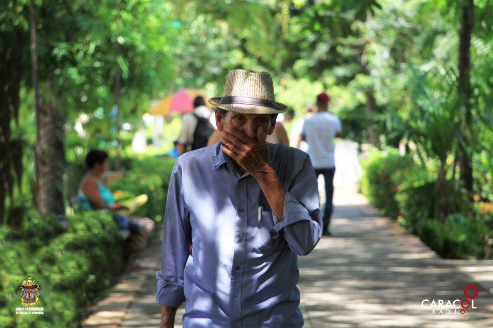 Una caminata por el parque se convierte en un buen plan en la tarde en Montería.