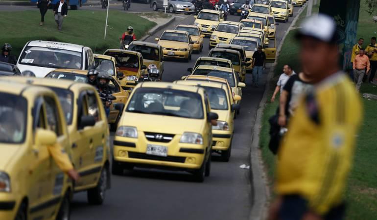 Empresas de Papel Taxistas: Más de 600 taxis en Bogotá estarían funcionando bajo empresas de papel