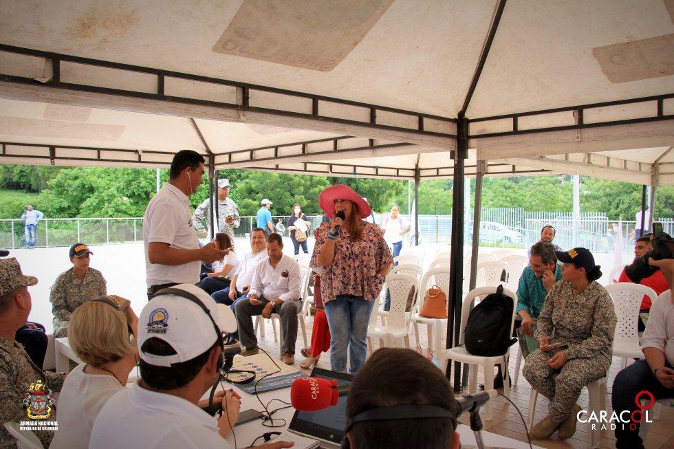 El público participa de la transmisión.