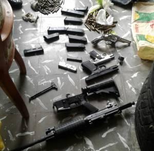Armas de largo y corto alcance, municiones y estupefacientes incautados