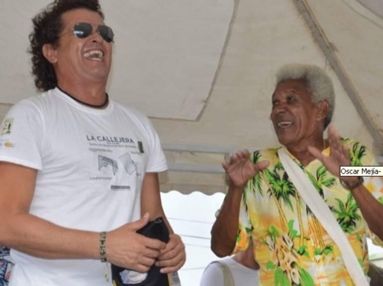 Carlos Vives con la comunidad en Pescaíto.