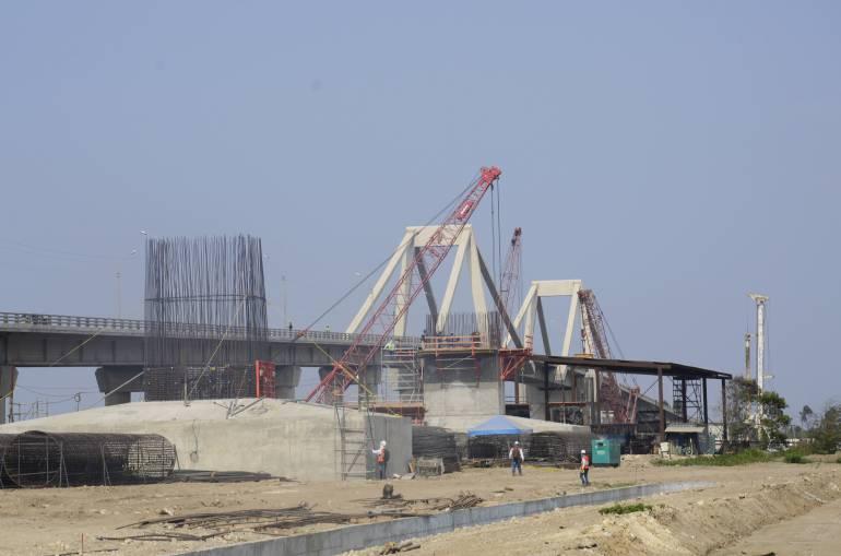 Nuevo puente sobre el río Magdalena.