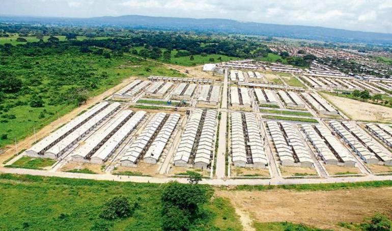 Ordenan a alcalde de Cartagena proteger de invasores Ciudad de Bicentenario