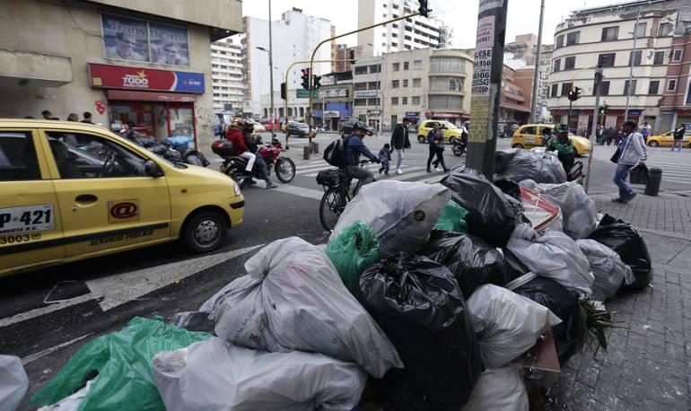 Crisis Basuras Bogotá: Tarifas de aseo aumentarán: UAESP