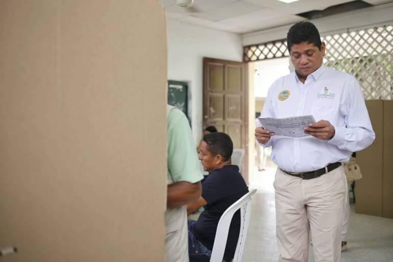 Alcalde Antonio Quinto Guerra ejerció su derecho al voto e hizo recorrido: Alcalde Antonio Quinto Guerra ejerció su derecho al voto e hizo recorrido