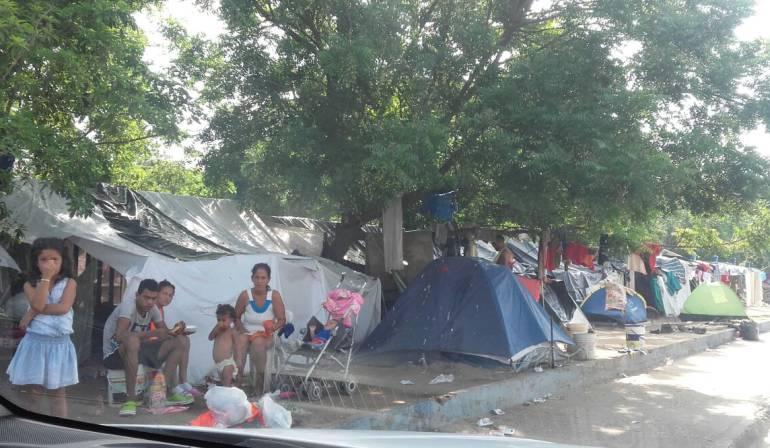 """""""No hay orden de desalojo para venezolanos en la terminal"""": Migración"""