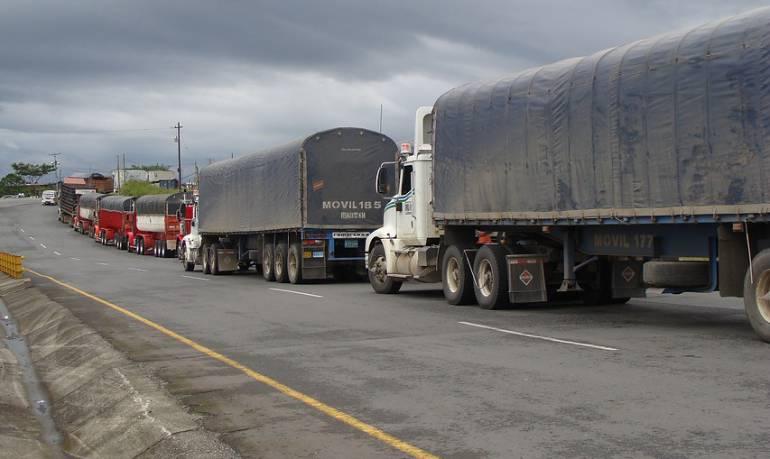 Restricción de vehículos de carga: Por 2 meses fue aplazada la restricción de carga por la calle 13 en Bogotá