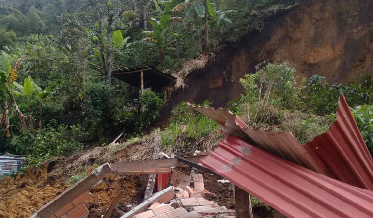 Foto archivo de deslizamiento ocurrido en Manzanares