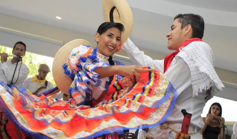 Pareja de baile en Ibagué