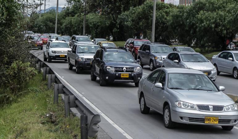 Los trancones por la Autopista Norte son 'pan de cada día' en Bogotá.