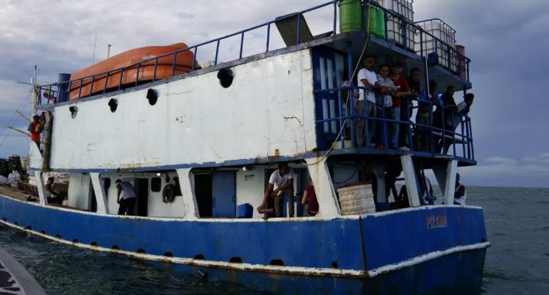 Rescate: 53 pasajeros de una embarcación de cabotaje rescatados en el pacífico