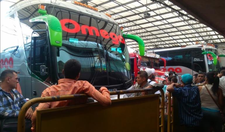 Pasajeros en la terminal de transportes de Cúcuta