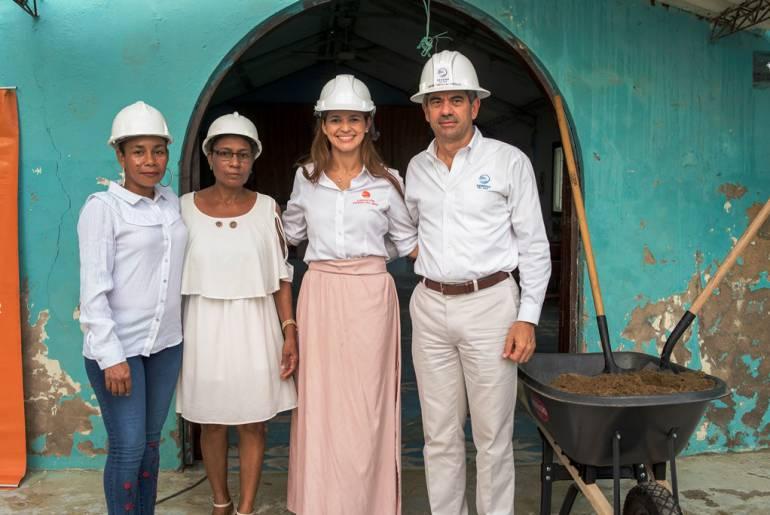 Se puso la primera piedra de la nueva Iglesia en Tierra Baja en Cartagena: Se puso la primera piedra de la nueva Iglesia en Tierra Baja en Cartagena