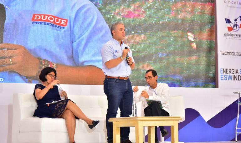 """No tengo miedo de confrontar ideas para segunda vuelta"": Duque"