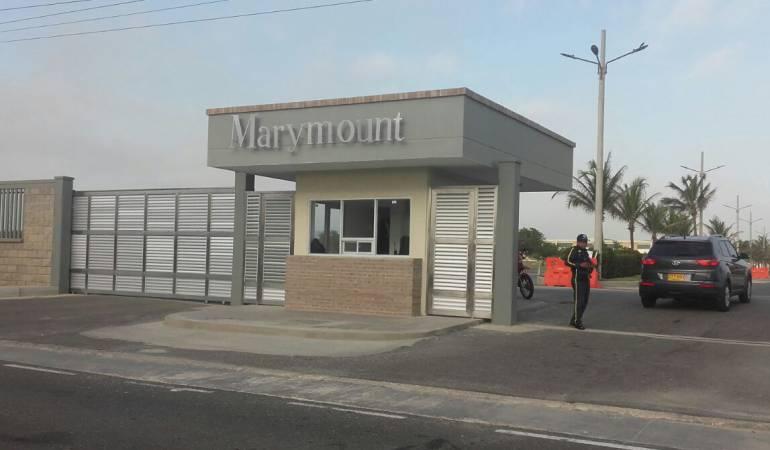 Investigan si profesor recibió dinero por resultados en el Marymount