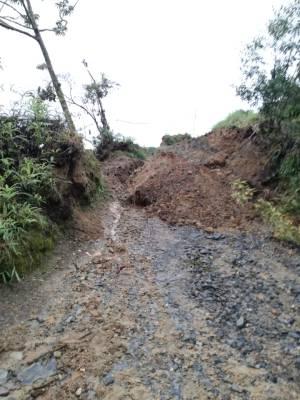 Emergencia por deslizamientos de tierra en 9 veredas de Macanal, Boyacá: Emergencia por deslizamientos de tierra en 9 veredas de Macanal, Boyacá