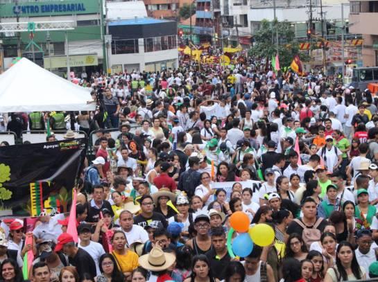 Marcha Carnaval: Cientos de personas se movilizaron en la marcha carnaval en Ibagué