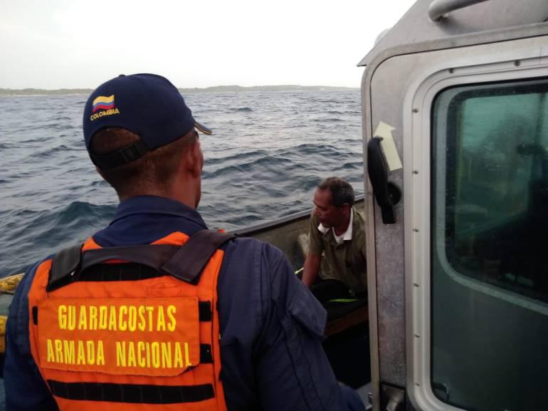 Armada Nacional busca a dos náufragos en aguas de las Islas del Rosario: Armada Nacional busca a dos náufragos en aguas de las Islas del Rosario