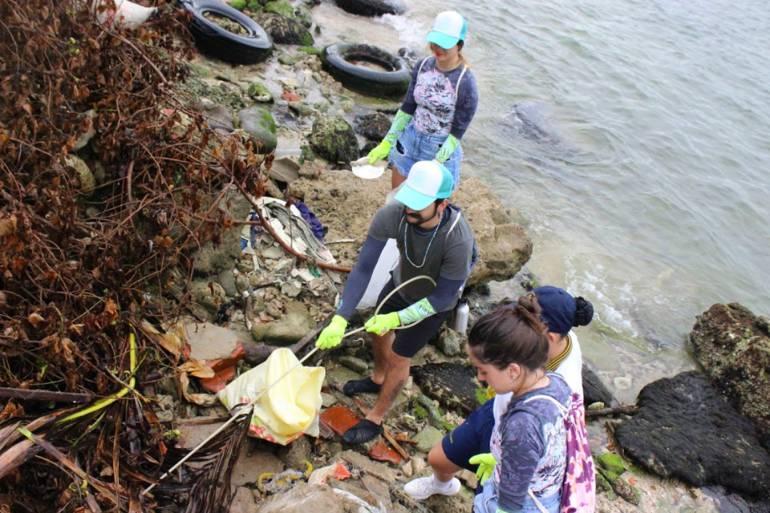 Selina y Back Nature realizan jornada de limpieza en playas de Tierrabomba: Selina y Back Nature realizan jornada de limpieza en playas de Tierrabomba