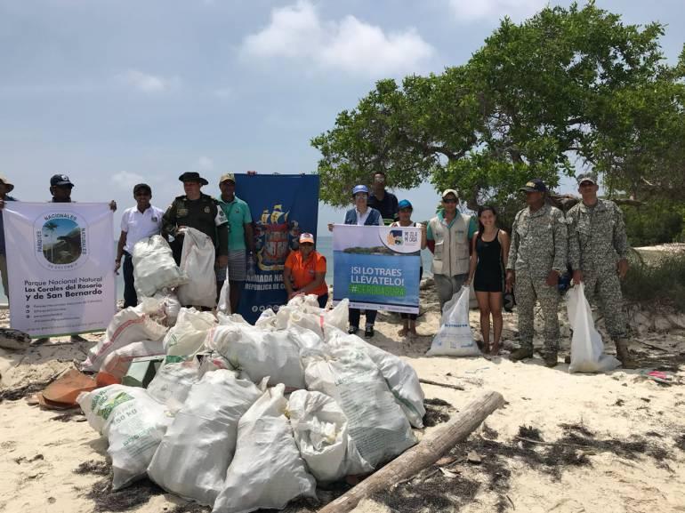 Armada apoyó semana ambiental liderada por Parques Nacionales: Armada apoyó semana ambiental liderada por Parques Nacionales