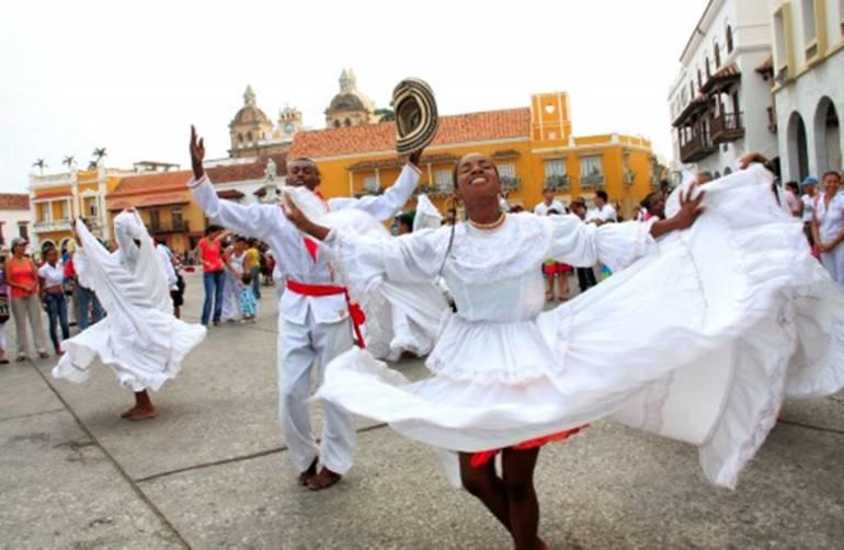 Grupos folclóricos denuncian que los excluyeron del Centro de Cartagena: Grupos folclóricos denuncian que los excluyeron del Centro de Cartagena