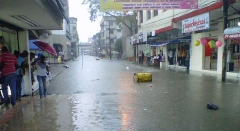 inundaciones buenaventura: Más de 70 familias afectadas por inundaciones en Buenaventura