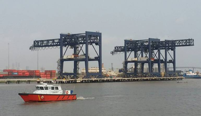 Comienzan a desviar buques en canal de acceso al puerto de Barranquilla
