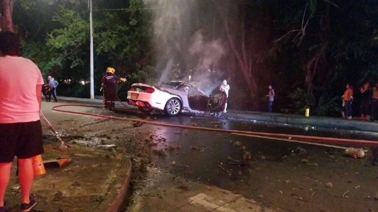 accidente: Autoridades investigan accidente de vehículo de alta gama