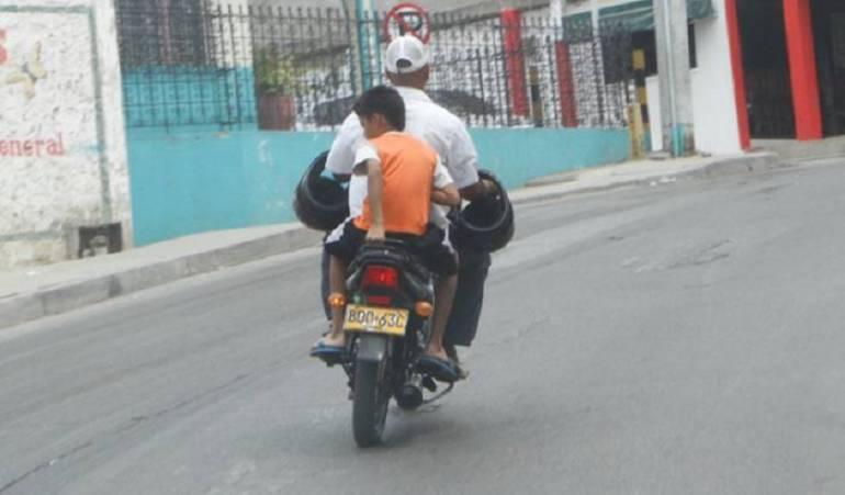 Prohíben menores y embarazadas en motos en Cartagena por un año más