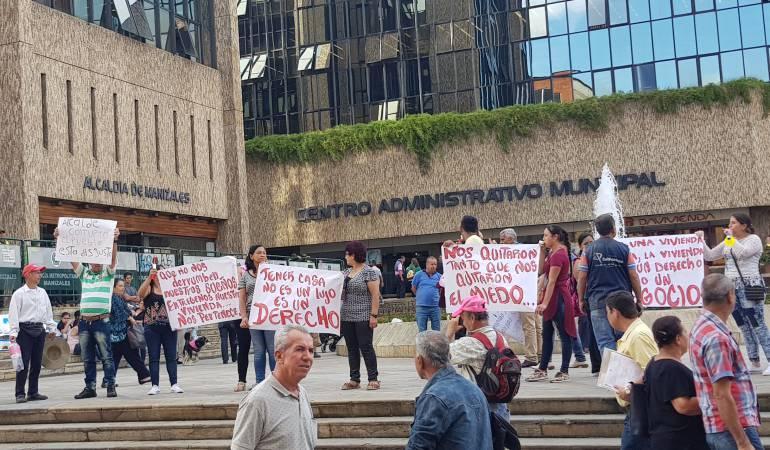 Macroproyecto San José, apartamentos, Juez,: Con plantón piden entrega de apartamentos en la comuna San José