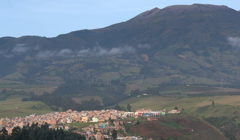 Volcán Galeras: Volcán Galeras bajo monitoreo por constantes sismos
