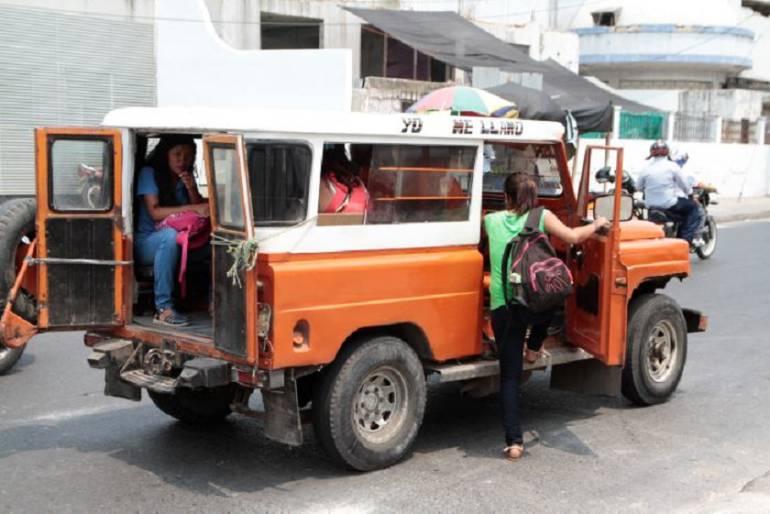 Ofrecen recompensa por el asesino de una mujer en un jeep en Cartagena