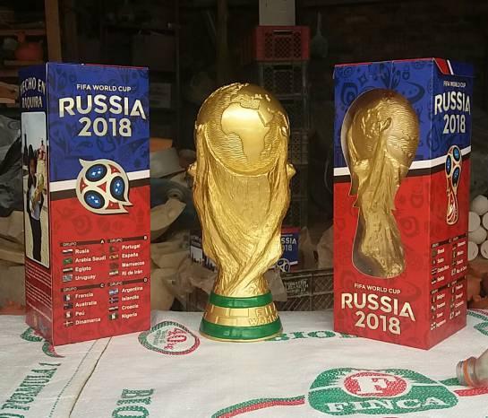 Réplica copa del mundo: La réplica exacta en barro de la copa del mundo está en Boyacá