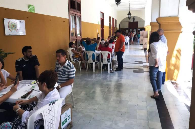 Elecciones Colombia: Fiscalía de Cartagena recibió 32 denuncias por transporte de votantes