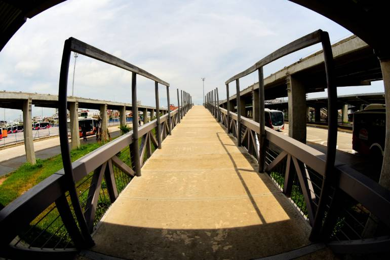 Inició instalación de cubiertas de pasarelas en Patio Portal de Transcaribe: Inició instalación de cubiertas de pasarelas en Patio Portal de Transcaribe