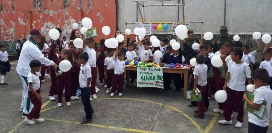 armas de juguete: Policía recolecta juguetes bélicos en el Tolima