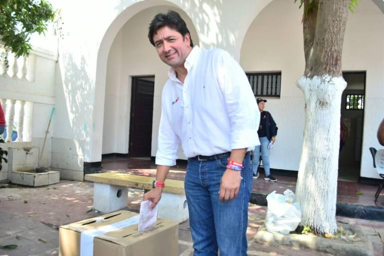 FÁBIAN CASTILLO SUÁREZ