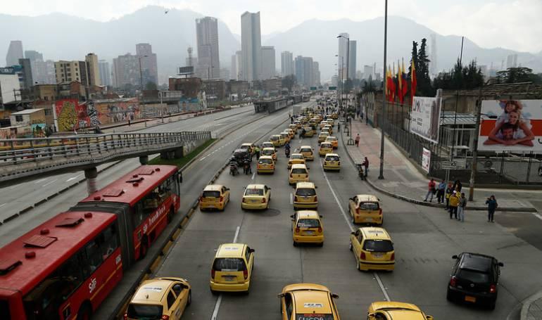 nuevas leyes para taxis: En el limbo reemplazo de taxímetros por aplicaciones para taxis en Bogotá