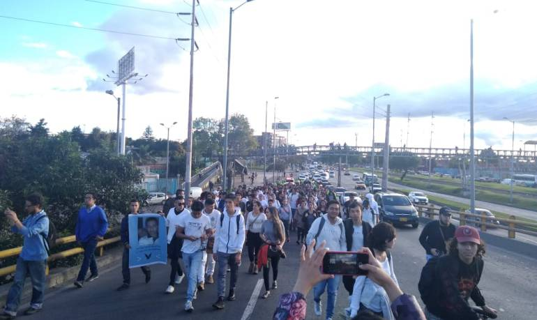 Colados en Transmilenio: Estudiantes de la nacional salieron a rechazar la muerte de Camilo Ortiz