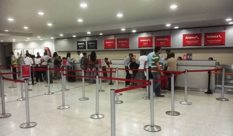 Pasajeros en el aeropuerto Camilo Daza en Cúcuta